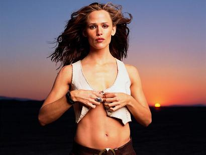 jennifer garner sunset toned muscles