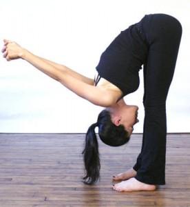 tip-over-tuck-stretch-for-gymnastics-276x300