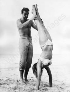 vintage-handstand-photo